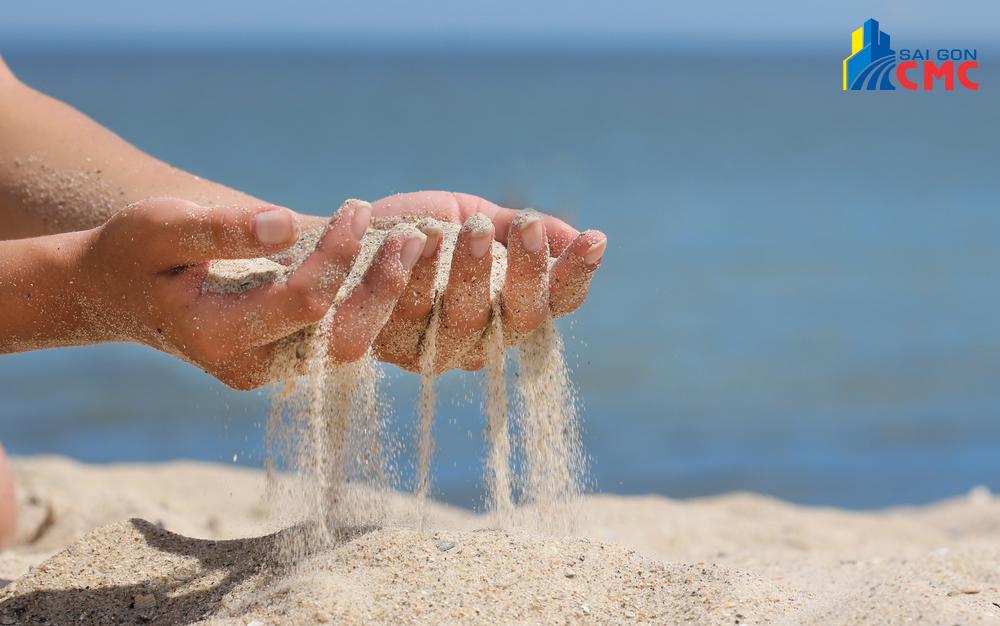 Vì sao cát biển không thể dùng để xây dựng?