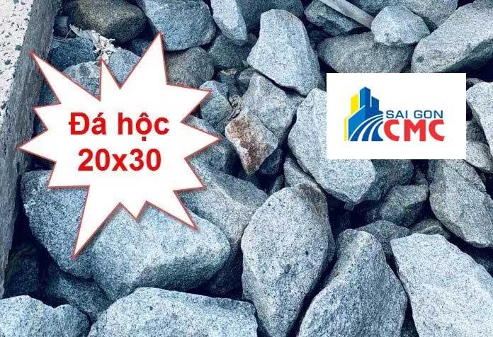 Đá hộc 20×30 được sử dụng nhiều trong xây móng, kè đê sông suối, biển